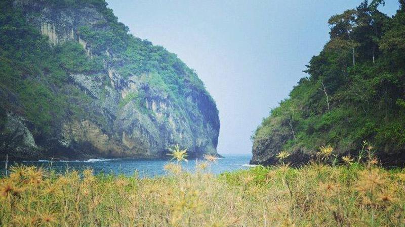 Pantai Tenger Malang