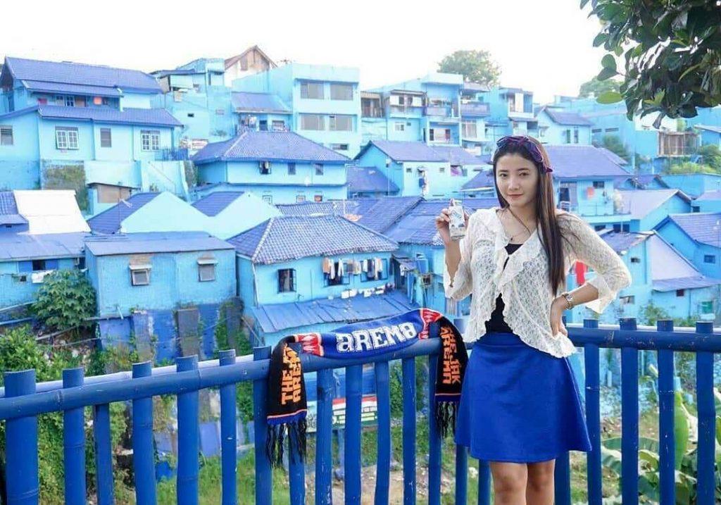 kampung biru arema tempat wisata di malang