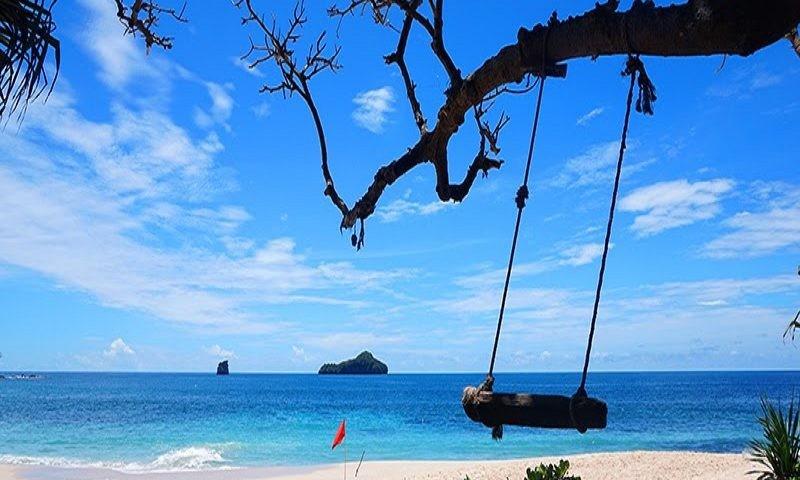 pantai sendiki wisata romantis di malang