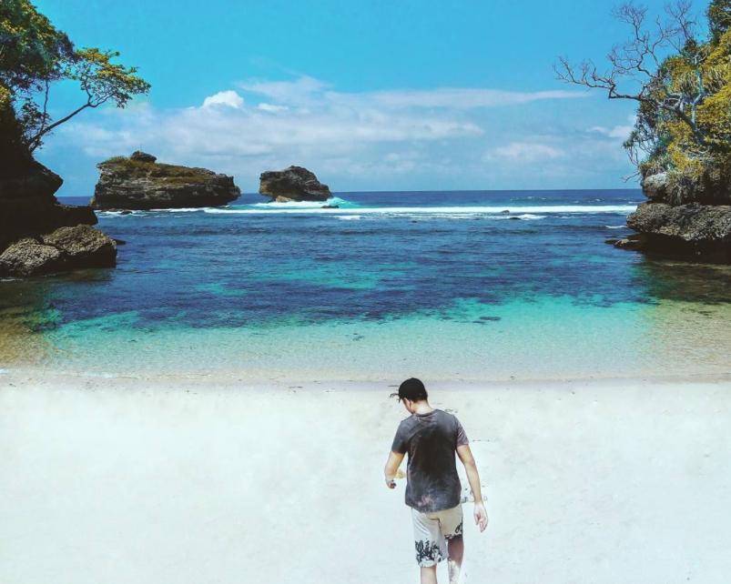 pasir indah di pantai ngliyep